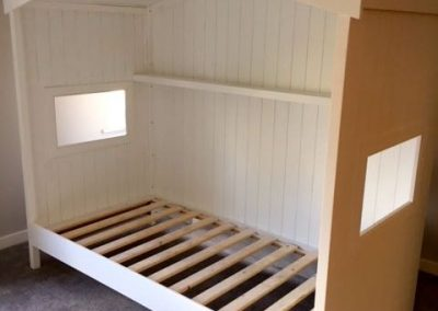 Child's house bed